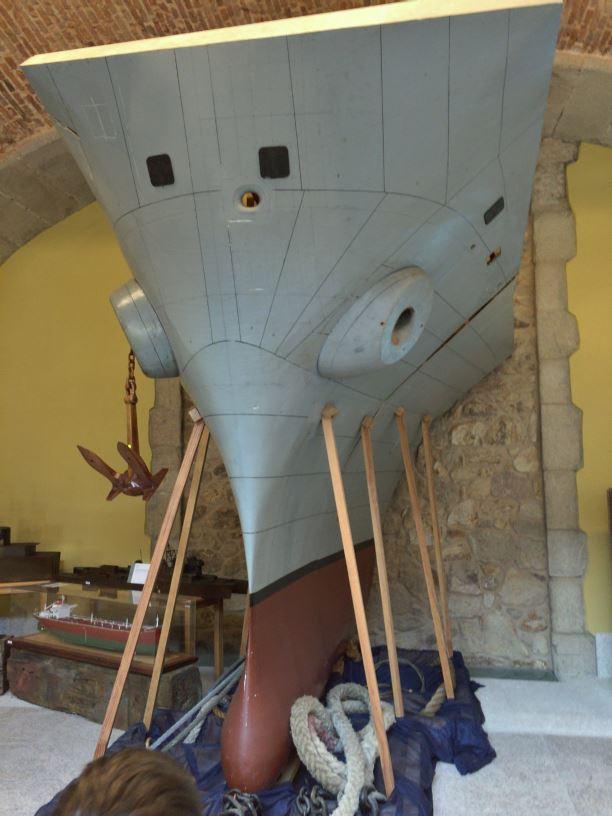 Portaaviones Príncipe de Asturias: maqueta para la construcción de la proa