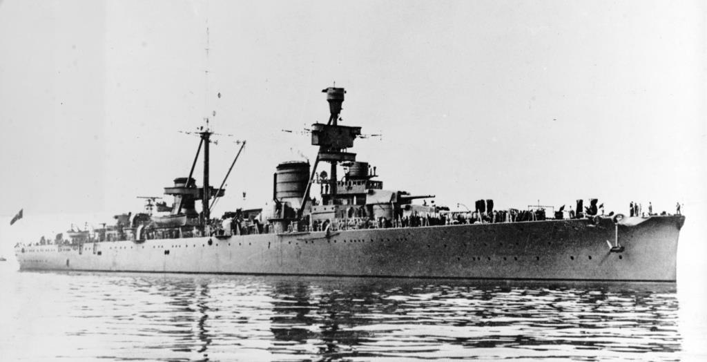 Crucero Pesado Trieste. Conversión Crucero Canarias