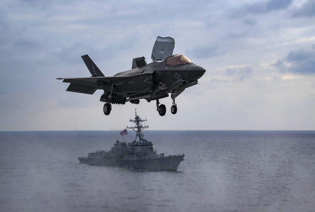 aviones de combate navales F-35B
