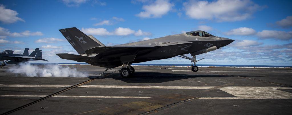 aviones de combate navales F-35C