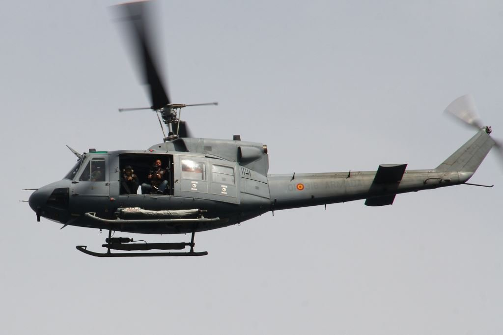 helicóptero ab212 Armada Española