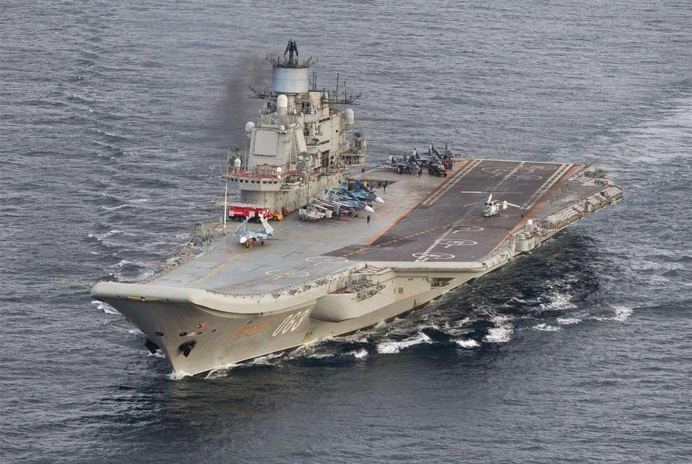 Portaaviones Admiral Kuznetsov navegando